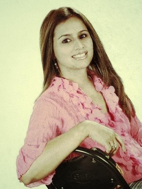 Tina Kundalia - Singer from NY NJ